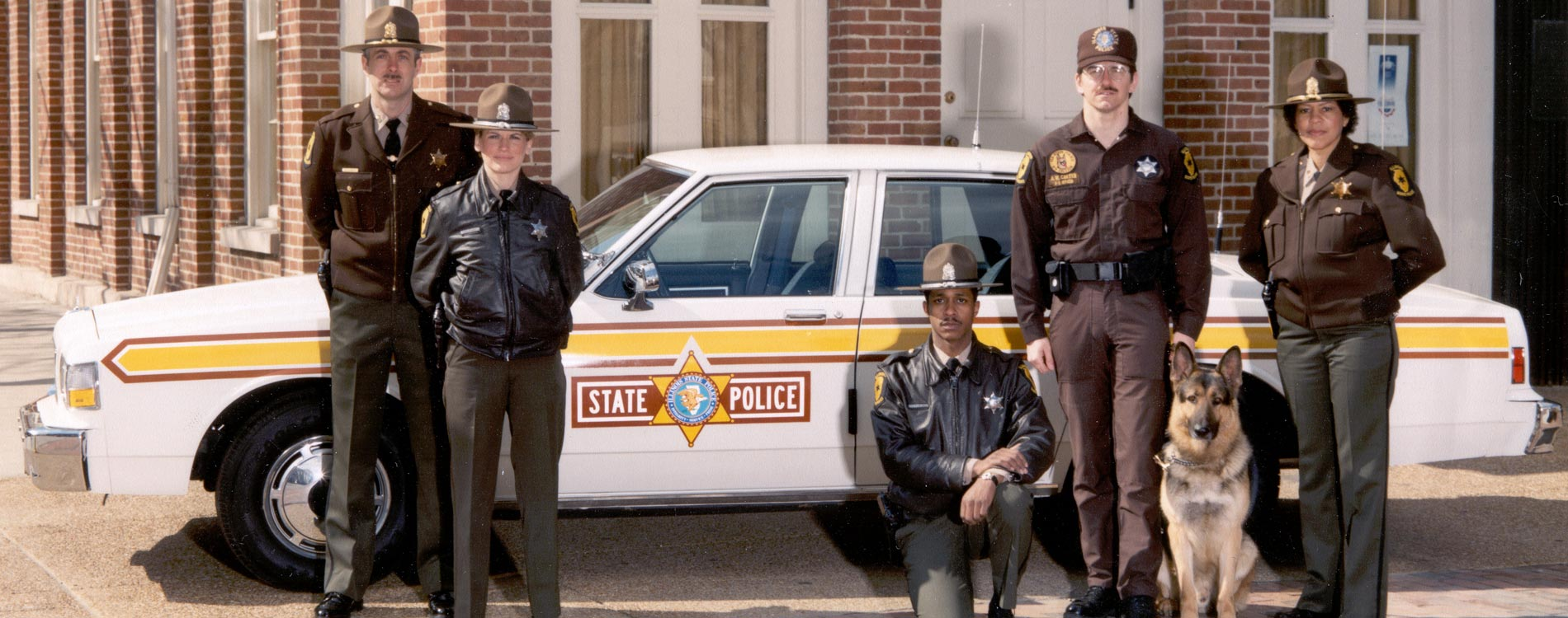 Illinois State Police uniforms and equipment photo gallery: various working uniforms.